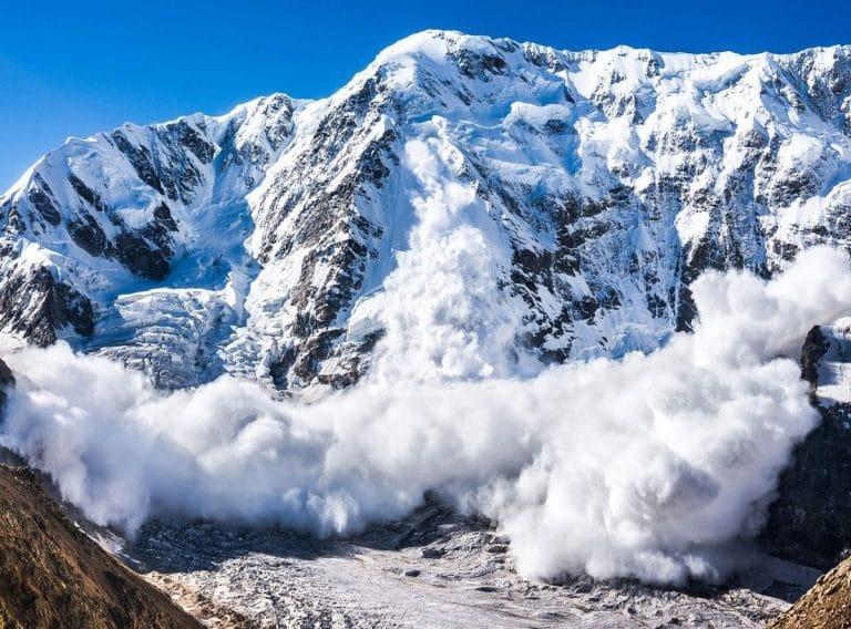aludes por la montaña