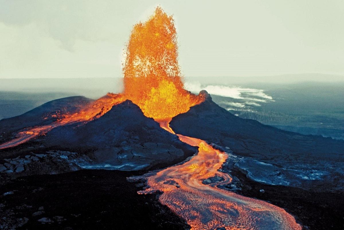 erupciones de lava