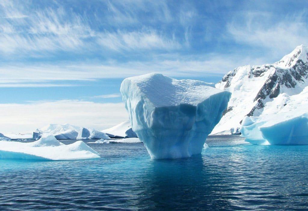hielo derritiendose